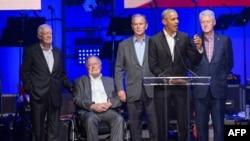 Petorica bivših američkih predsjednika na sinoćnjem koncertu u Texasu