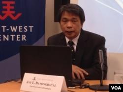 菲律賓大學海洋事務及海洋法研究所主任傑伊巴湯巴卡(美國之音鍾辰芳拍攝)