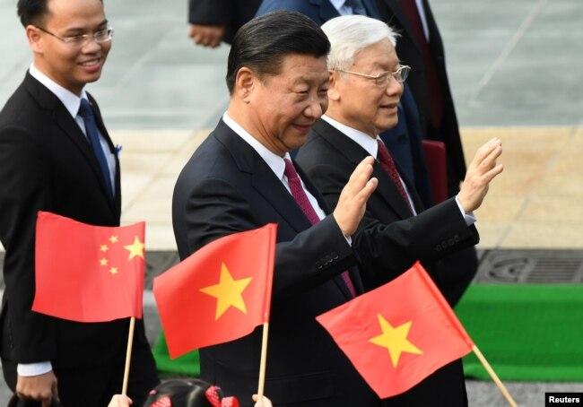 Ông Nguyễn Phú Trọng đón Tập Cận Bình tại Hà Nội.