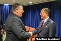 마이크 폼페오 미국 국무장관과 리용호 북한 외무상이 26일 73차 유엔총회가 열리고 있는 뉴욕에서 별도의 회담을 했다.