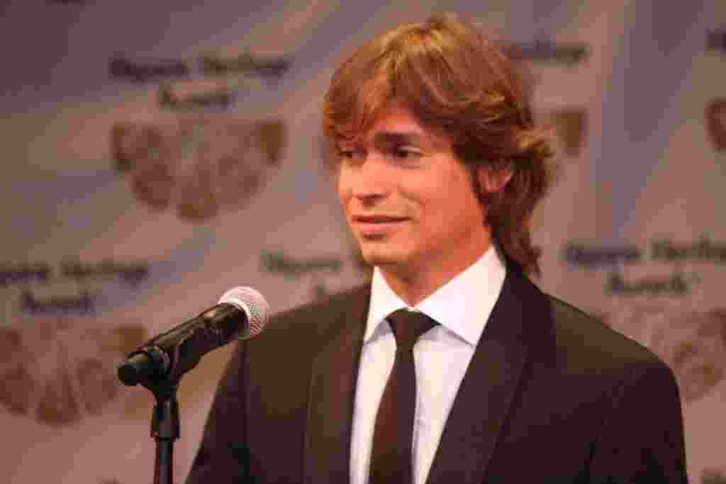 Carlos Baute, cantante venezolano en los Premios a la Herencia Hispana.