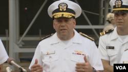 美國海軍第7艦隊戰鬥部隊司令約翰·亞歷山大少將。(視頻截圖)
