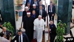 教宗方济各在埃及会晤当地穆斯林教领袖