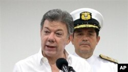 Colombia's President Juan Manuel Santos talks to the media about the remains of the Spanish Galleon San Jose.