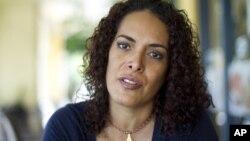 La venezolana Connie Piñero, residente en Florida, labora como voluntaria para Voto Donde Sea y está decidida a sufragar.
