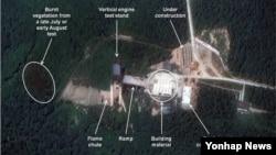 북한이 평안북도 철산군 동창리 서해 발사장의 시설들을 계속 확충하고 있다고 북한전문 웹사이트 '38노스'가 지난해 9월 밝혔다. 38노스가 분석한 동창리 서해 발사장 위성사진. (자료사진)