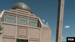 Sholat berjamaah di Islamic Center di Manhattan, kota New York (foto: dok).
