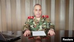 반군에 합류한 후, 알 아라비야 TV 방송에서 입장을 표명하는 압둘 아지즈 자셈 알 샬랄 소장.