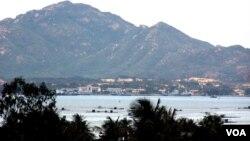 Порт Камрань во Вьетнаме. Рядом находится аэродром (архивное фото)
