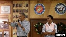 美国总统奥巴马和第一夫人米歇尔(资料照片)