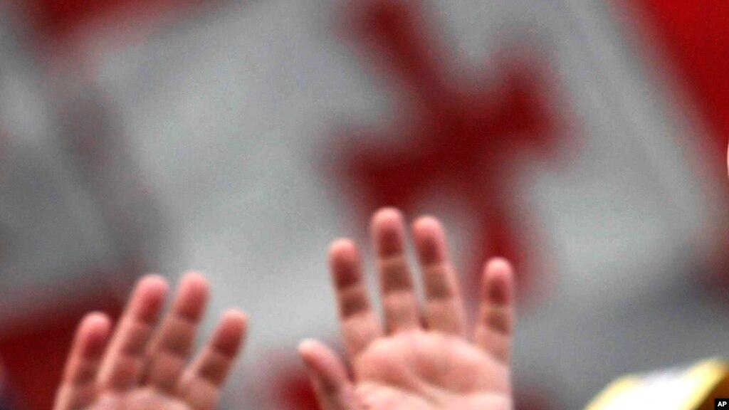Экс-министру поевроинтеграции Грузии прострелили обе ноги натбилисском кладбище