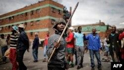 'Yan kabilar Zulu yayinda suke kai hari kan 'yan kasashen waje a Afirka ta Kudu