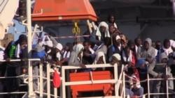 Migrants Arrive in Sicily