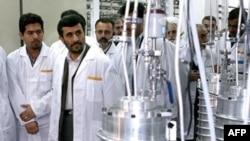 Махмуд Ахмединежад на ядерном объекте