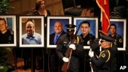 """""""Nunca hemos visto un año en mi memoria en el que hayamos tenido un aumento de esta magnitud en las muertes por disparos de oficiales"""", dijo Craig Floyd, presidente y director ejecutivo del Fondo Nacional de la Policía Nacional."""