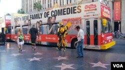 洛杉磯荷里活的星光大道遊客處處。