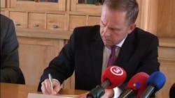 2018-02-19 美國之音視頻新聞: 拉脫維亞央行行長被捕 總理大力安撫歐洲