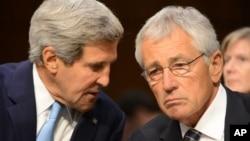 美國國務卿克里(左)和國防部長哈格爾(右)