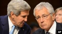 美国国务卿克里和国防部长哈格尔在参议院就叙利亚使用化武的听证会上。