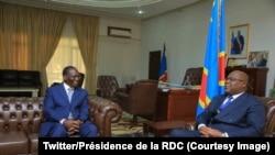 Le Premier ministre Sylvestre Ilunga Ilunkamba (G) discute avec le président Félix Tshisekedi à la Cité de l'Union africaine, Kinshasa, 20 mai 2019. (Twitter/Présidence de la RDC)