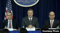 美国官员介绍奥巴马亚洲之行(图片来源:外国记者中心)