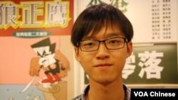學民思潮成員張秀賢認為今年香港政局大起大落,令書展掀起政治書熱