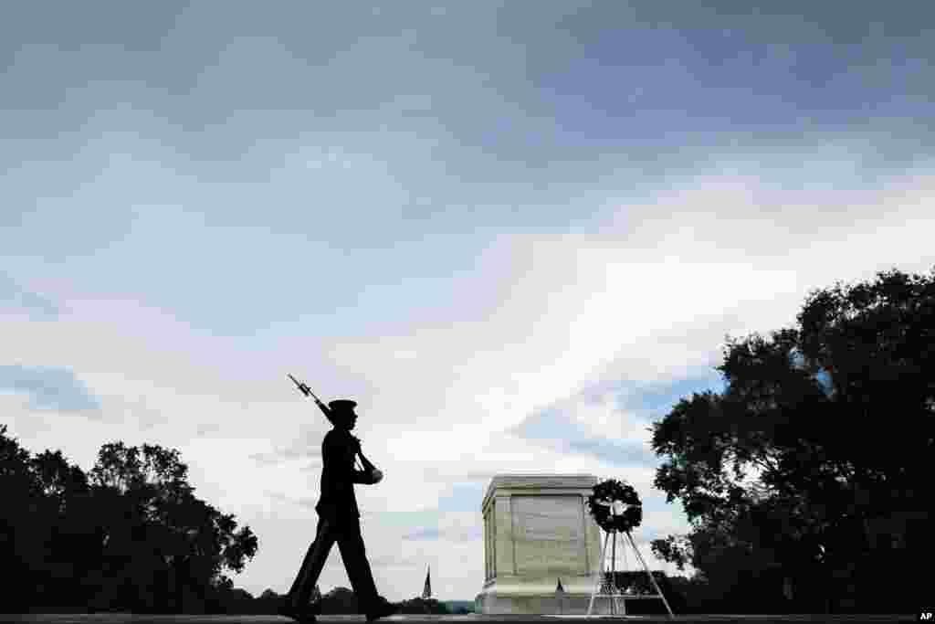 Могила неизвестного солдата, Арлингтонское национальное кладбище. 28 мая 2018 года, Арлингтон, Вирджиния