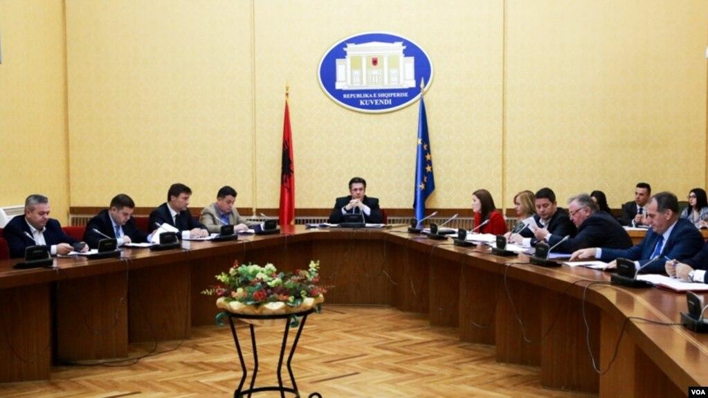 Tiranë: nis punën komisioni hetimor ndaj ish-ministrit Tahiri