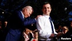 ARHIVA - Novozabrani predsjednik SAD Joe Biden i bivši demokratski predsjednički kandidat Pete Buttigieg.