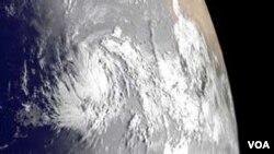 Katia carga vientos máximos de 120 kilómetros por hora, y se estima que pasará al norte de Puerto Rico.
