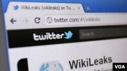 Halaman Twitter Wikileaks tampak pada layar komputer di SIngapura, 9 Januari 2011 yang lalu (foto:dok).