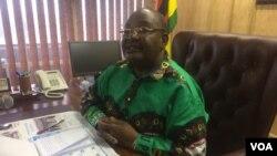 UMnu. Obert Mpofu webandla leZanu PF.