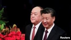 資料照:中國國家主席習近平與新任澳門行政長官賀一誠在澳門抵達就職儀式會場。 (2019年12月20日)