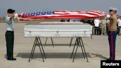 Một buổi lễ hồi hương hài cốt quân nhân Mỹ.