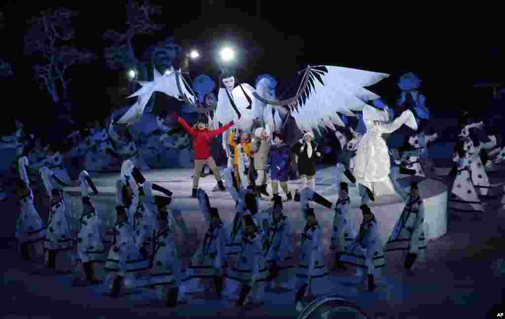 Діти виступають під час церемонії відкриття Зимових Олімпійських ігор 2018в Пхйончхані, Південна Корея, 9 лютого, 2018