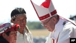 Le pape François lors d'une messe sur la base aérienne de Maquehue, à Temuco, Chili, le 17 janvier 2018.
