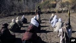 د تحریک طالبان پاکستان جنګیالي د تمرینونو پر وخت