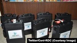 Le premier lot des machines à voter, Kinshasa, 9 janvier 2018. (Twitter/Ceni-RDC)
