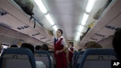 지난해 2011년 중국 베이징에서 평양으로 향하는 북한 고려항공 여객기 내부. (자료사진)