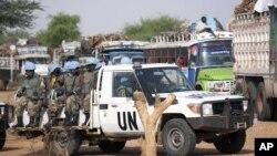 Pasukan penjaga perdamaian PBB yang bertugas di Darfur atau UNAMID (foto: dok).