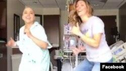 Ана-Алесія Аяла та її подруга у популярному відео