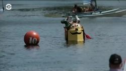 Под Вашингтоном прошли гонки на картонных лодках