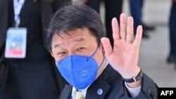 Menlu Jepang Toshimitsu Motegi di Matera, 29 Juni 2021. (Alberto PIZZOLI / AFP)