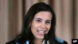 Dina Powell intervenant au Département d'Etat américain, à Washington DC, le 6 janvier 2006.