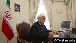 حسن روحانی از وزیر دفاع ایران خواست برنامه موشکی ایران با سرعت بیشتری ادامه یابد.