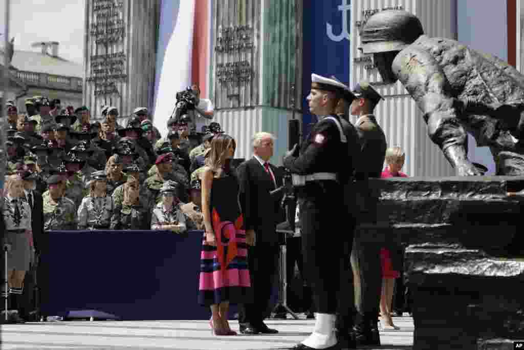 ABŞ prezidenti Donald Tramp Polşaya səfər edir