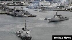 지난 4월 일본 자위대는 북한의 미사일 공격에 대비해 요격미사일 SM3를 탑재한 이지스함 2척을 동해에 배치했다. 사진은 2012년 12월 나가사키현 해상자위대 사세보 기지를 나서는 요격미사일 SM3 탑재 이지스함. (자료사진)