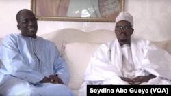 Le porte-parole du Khalife des mourides a reçu le ministre de la Santé Abdoulaye Diouf Sarr à huis-clos, le 13 mars 2020. (VOA/Seydina Aba Gueye)