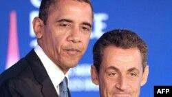 Predsednik Obama i francuski predsednik Nikola Sarkozi na zajedničkoj konferenciji za novinare u Kanu, u Francuskoj, 3. novembar 2011.