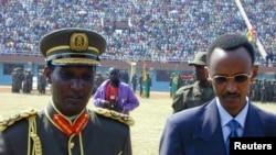 Kayumba Nyamwasa akiri umugaba w'Ingabo z'u Rwanda na Perezida Paul Kagame